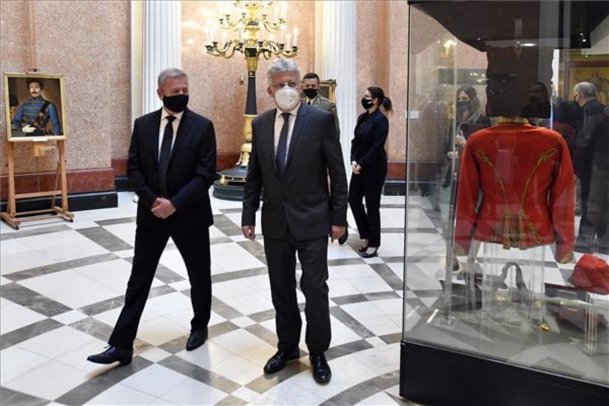 aradi kiállítás