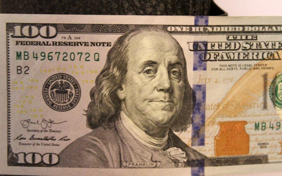 Gyengül az euró, erősödik a dollár Ukrajnában