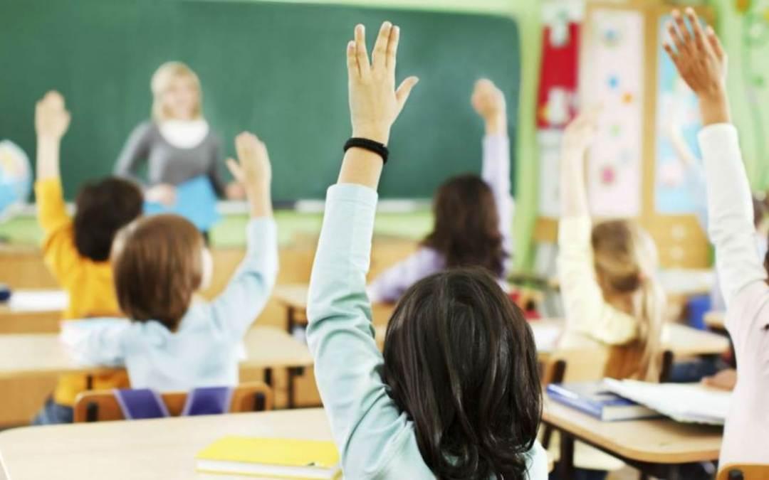 Ukrajnában felfüggesztik az oltatlan pedagógusok munkaviszonyát