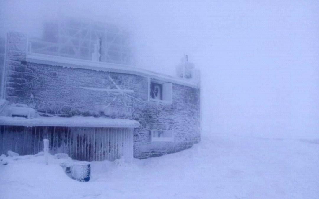 2 cm hó esett a Pop Ivánon