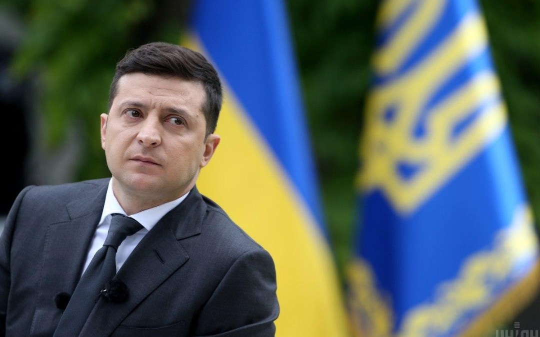 Zelenszkij menesztené az alkotmánybíróság tagjait