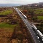 Határhelyzet: kilométeres sorok az ukrán-szlovák határnál