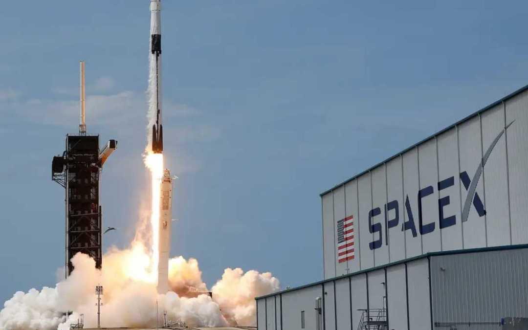 Rekordszámú műholdat vitt magával a világűrbe a SpaceX rakétája