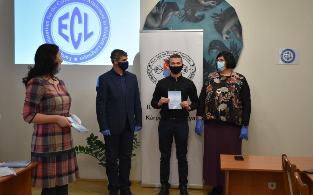 Tizenkilencen tettek sikeres ECL nyelvvizsgát a Rákóczi‐főiskolán