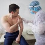 Zelenszkij is beolttatta magát az indiai vakcinával