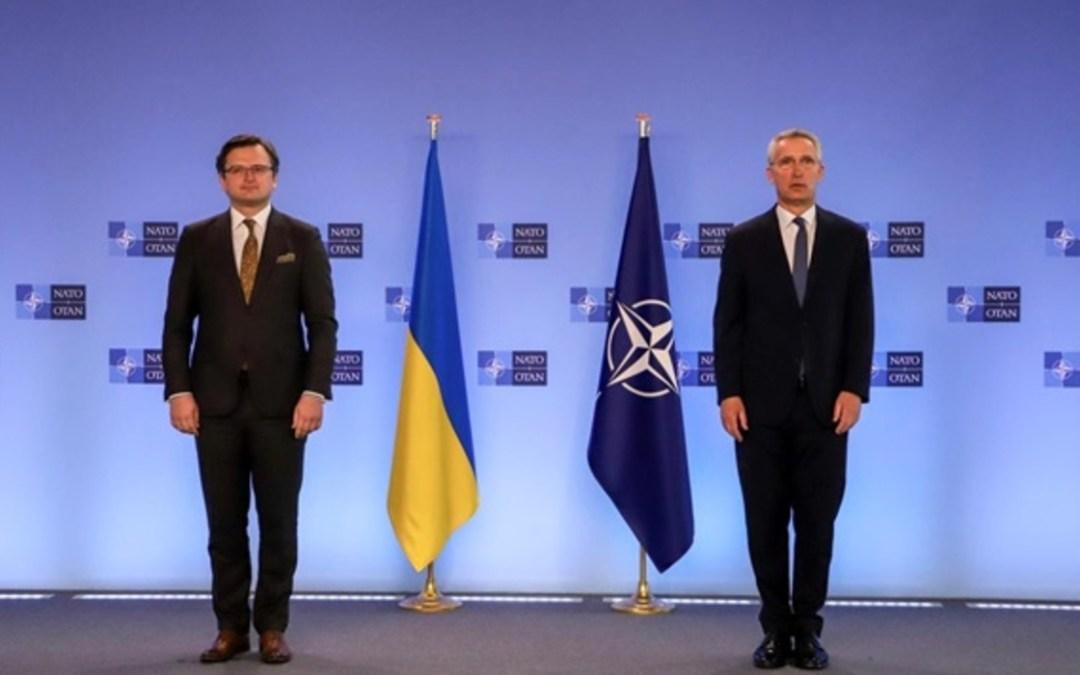 Stoltenberg: Oroszországnak meg kell tennie mindent a feszültség megszüntetéséért
