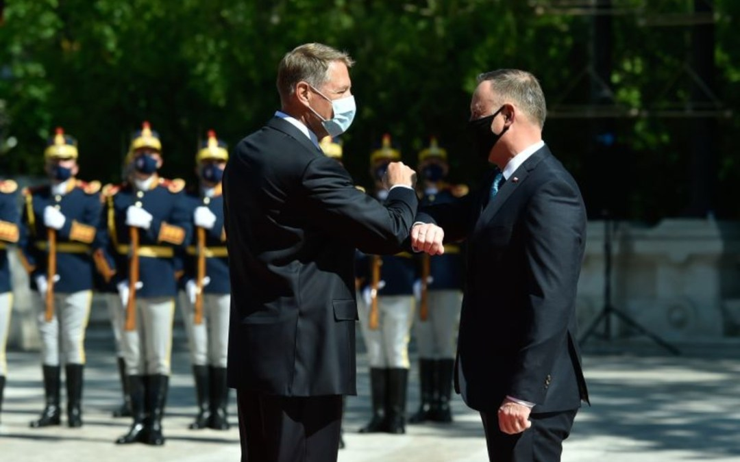 A NATO elrettentő szerepének erősítését szorgalmazza a román és a lengyel államfő