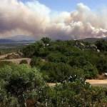 Több száz ember menekült a lángok elől Szardínia szigetén