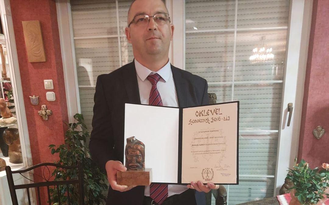 A kárpátaljai Homoki Gábor vehette át idén a Szervátiusz Jenő-díjat