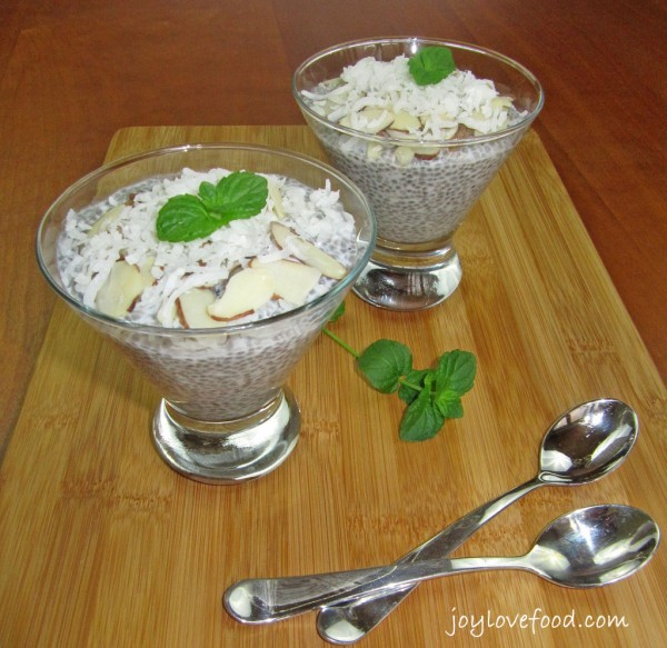 Coconut-Almond-Chia-Seed-Pudding-3-1024x995