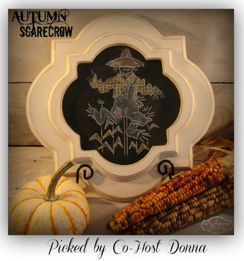 autumn-scarecrow-chalkboard-much-more-creative