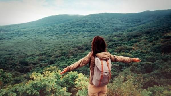 20150508170513-travel-nature-outdoor-hiking-walking-adventure