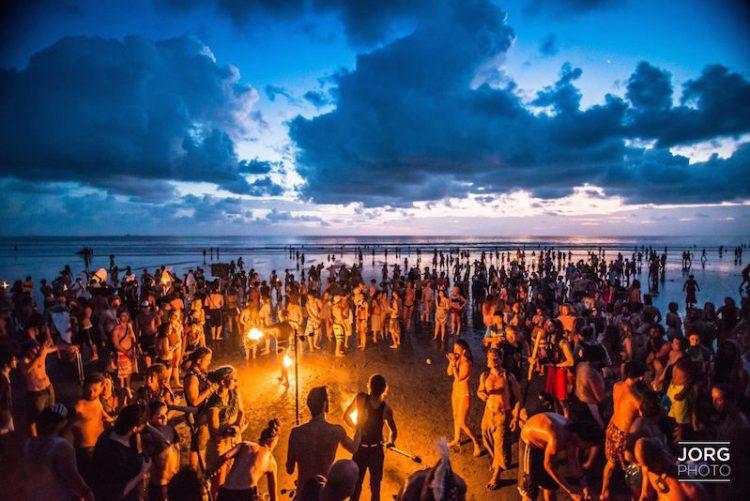 envision_beach_fire
