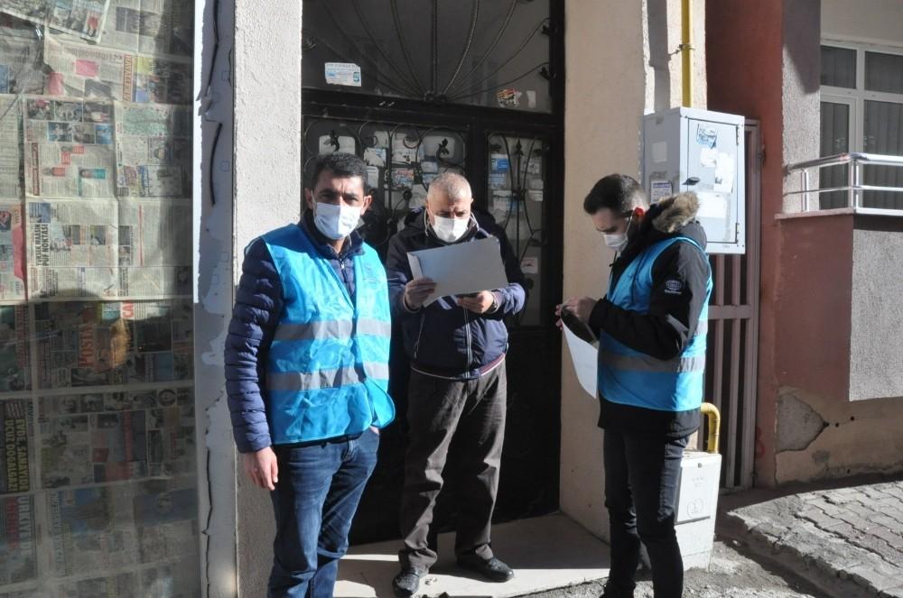 Kars'ta vaka evlerinin kapılara uyarı yazısı