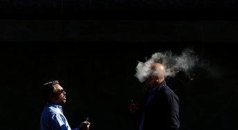 Το ηλεκτρονικό τσιγάρο είναι βλαβερό για το DNA και μπορεί να προκαλέσει καρκίνο, σύμφωνα με νέα έρευνα