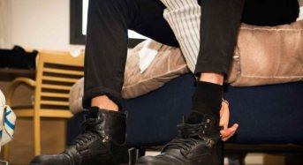 Έρευνα: Γιατί δεν πρέπει να φοράμε τα παπούτσια μας μέσα στο σπίτι