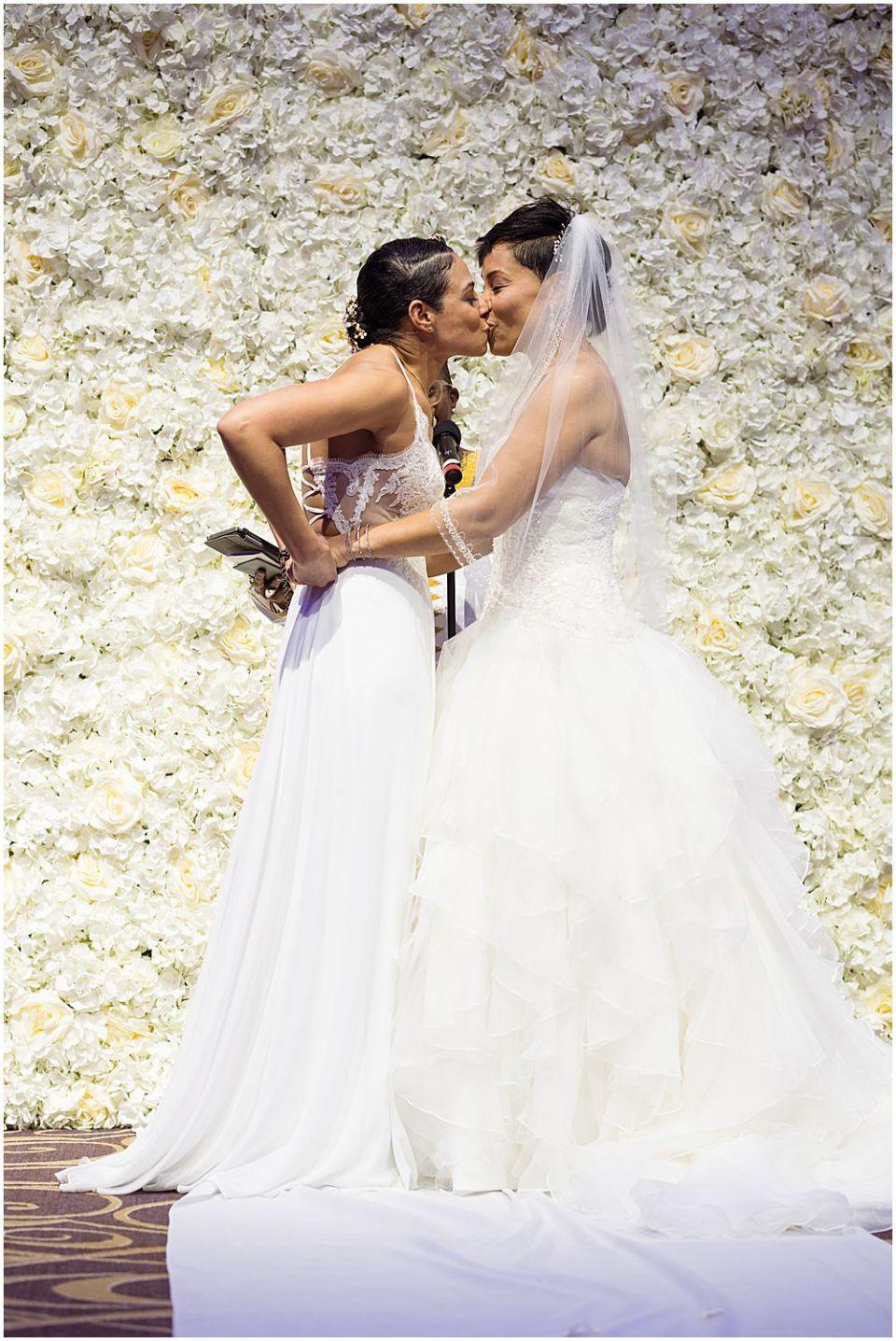 Female Bridals wedding Kiss