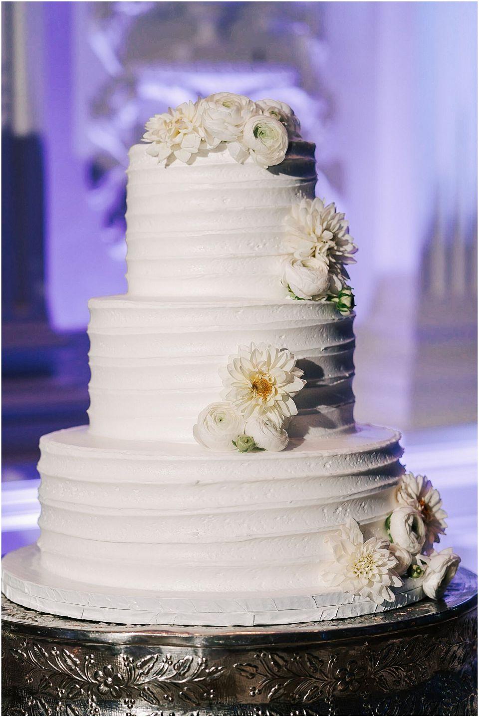 beautiful cake shot at the Valley Regency Wedding