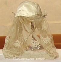 acconciatura da sposa fine 800 colore ecrù con calotta in raso e pizzo - la camelia collezioni