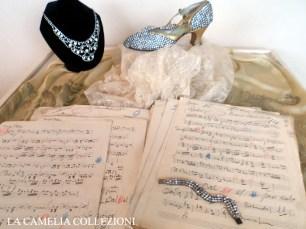 calzature e scarpe d'epoca - tacchi proibiti - scarpa con strass - la camelia collezioni