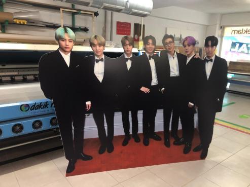 BTS Müzik Grubu Ayaklı Karton ADAM
