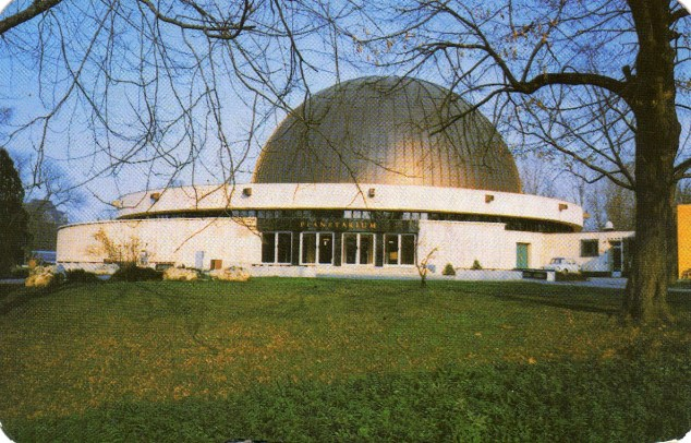 Középületépítő Vállalat (Budapest - Planetárium) - 1979