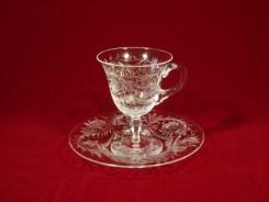 エングレーヴド 足つきカップ(H9cm x D6.6cm) & ソーサー(H1.5cm x D12.1cm )