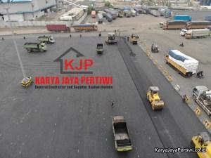 Pengaspalan Halaman Parkir Pelabuhan Bandar Bakau Jaya Cilegon Banten