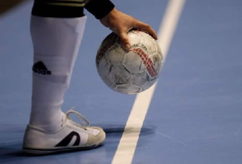 peraturan tendangan ke dalam futsal
