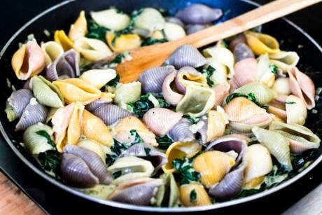 Pasta mit Spinat und Gorgonzola