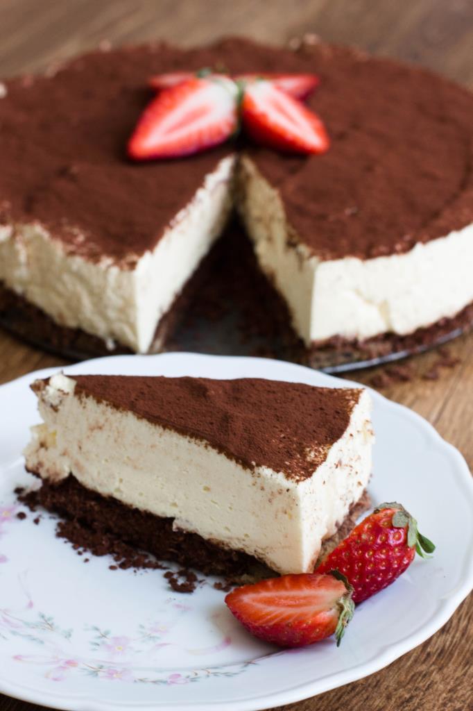 Tiramisu-Quark-Kuchen-ohne-Backen-Erdbeeren-Rezept-04