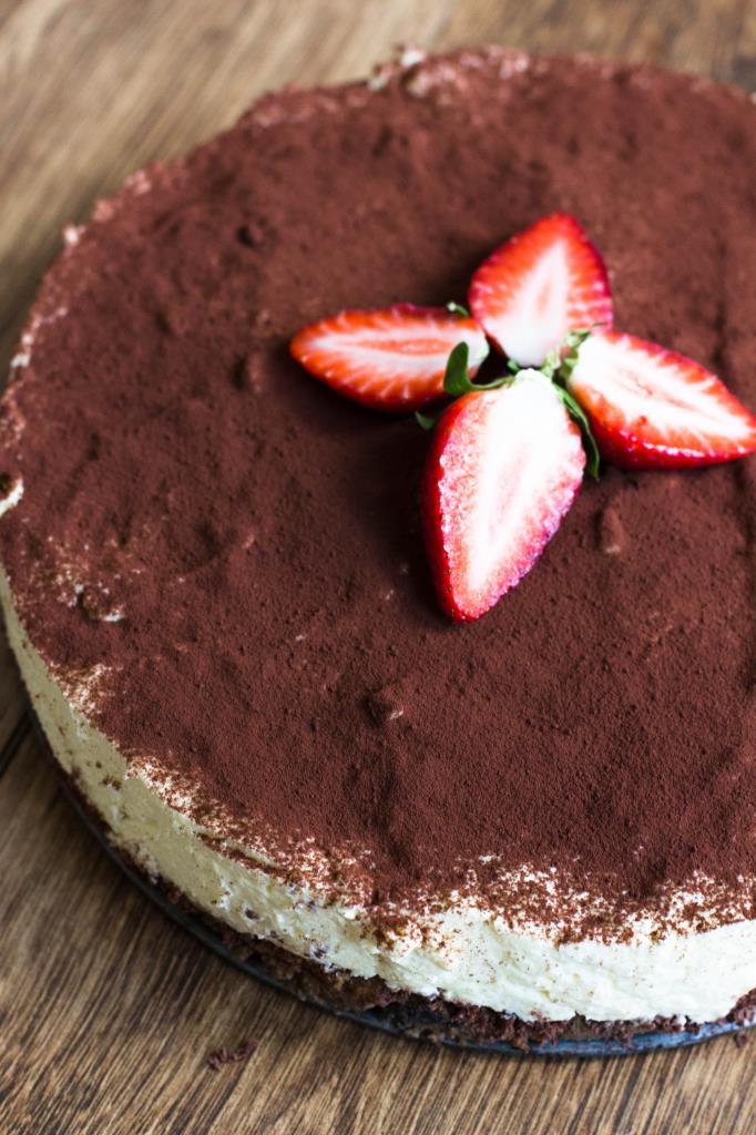 Tiramisu-Quark-Kuchen-ohne-Backen-Erdbeeren-Rezept-08