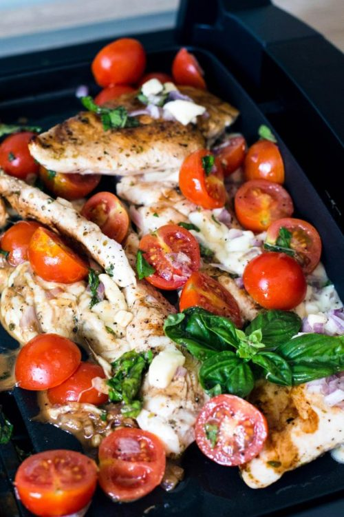 Hähnchenbrustfilet-Caprese-mit-Mozzarella-Tomaten-Basilikum-Rezept-06