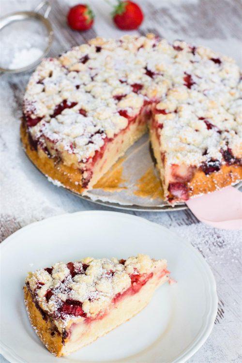 Erdbeerkuchen-Joghurt-Kuchen-mit-Erdbeeren-und-Streusel-Rezept-06