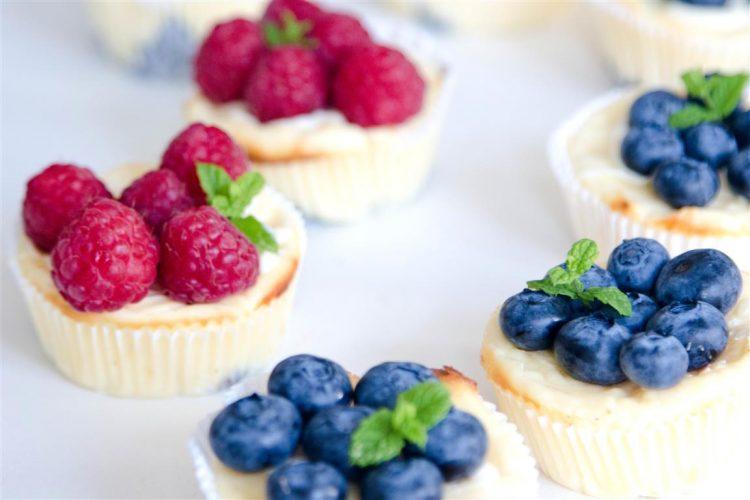 Quarkmuffins-mit-Oreoboden-und-Früchten-Rezept-07