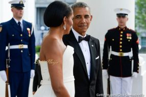 michelle-obama-state-dinner-prime-minister-of-singapore-5-600x399