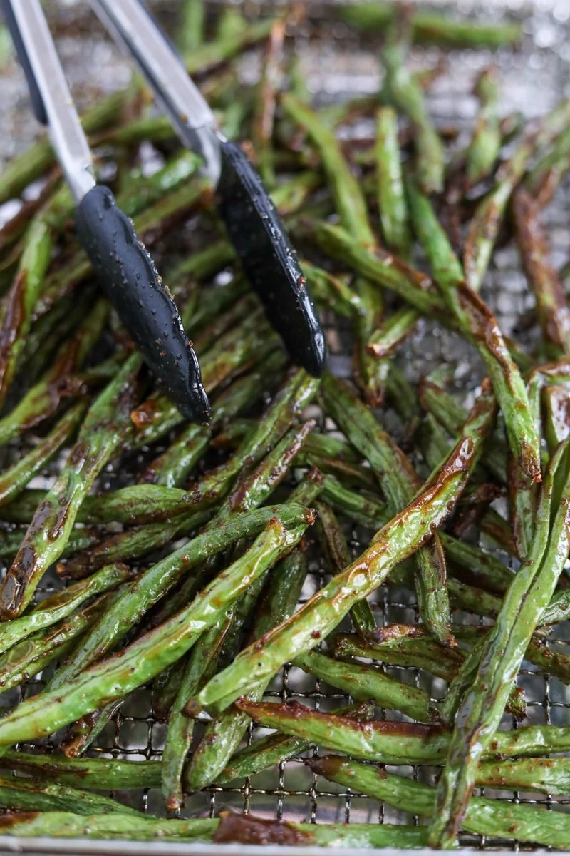 Crispy green beans in air fryer.