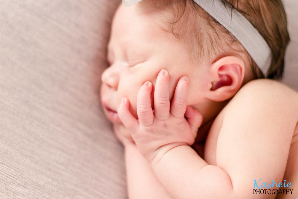 Image of baby fingers from Baby Van Beekum Newborns