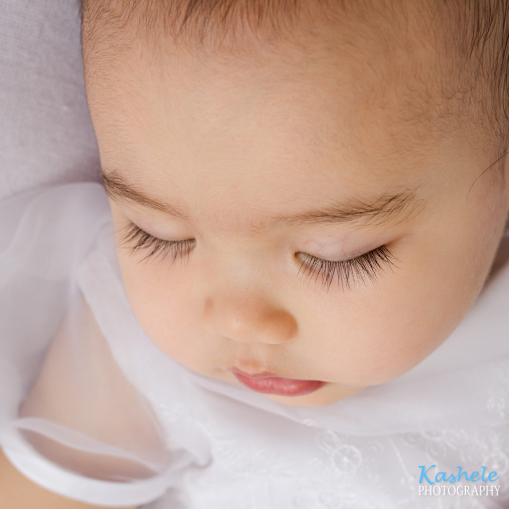 Baby Dream Session close up shot of her beautiful eyelashes