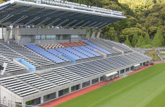 藤枝総合運動公園サッカー場 座席 屋根 J3