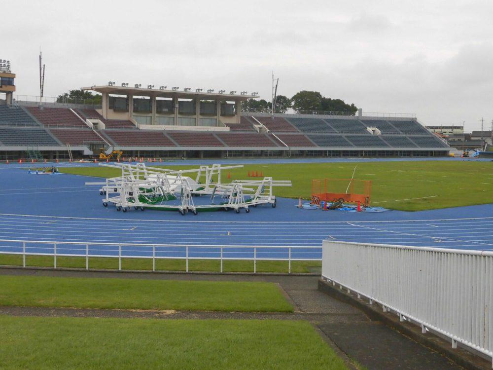 栃木県総合運動公園陸上競技場 屋根 メインスタンド 国体