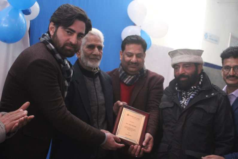 Ashok Leyland opens new outlet in Sopore