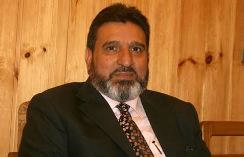 Altaf Bukhari welcomes Raj Nath Singh's statement on Pakistan