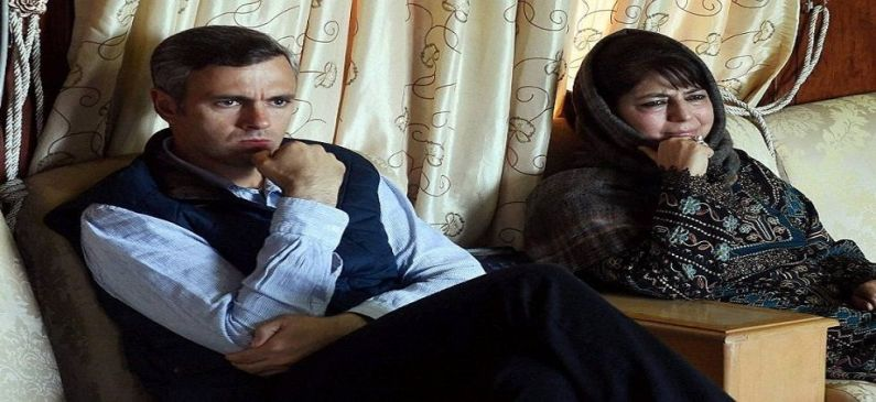 "Omar and Mehbooba questions Army Chiefs  ""dual' approach with regard to talks"