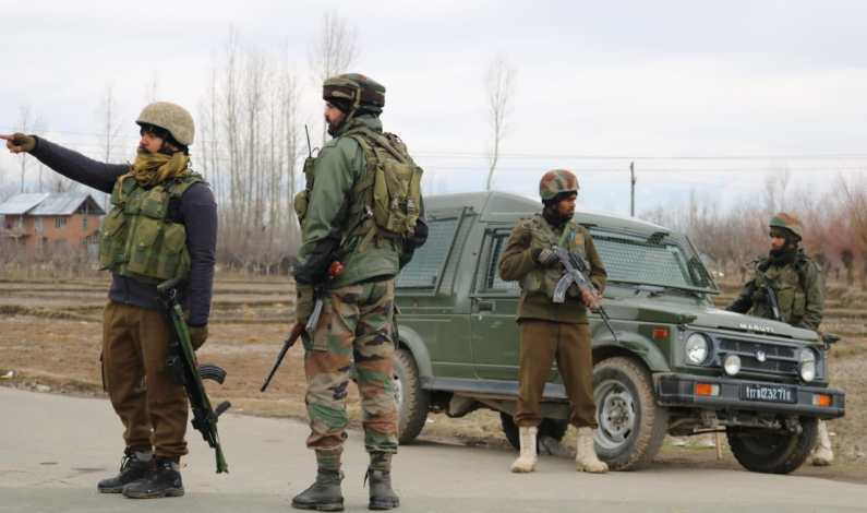 Forces lay seige to Pulwama village