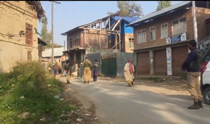 Video : 90's situation back as army starts crackdown in South Kashmir