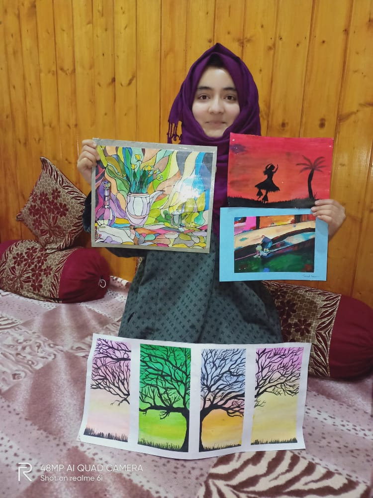 Tryst With Canvas ! Bandipora Girl Wins Accolades For Her Paintings