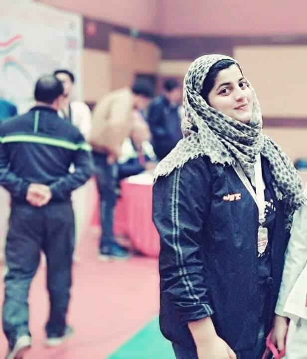 Meet Rashida Simnani: First lady Wrestler from Kashmir