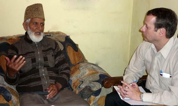 Syed Ali Shah Geelani talking to Canadian secretary David Hamilton On Tuesday