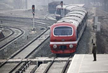 newsnotes-kashmir-train